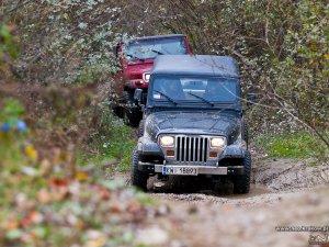 4x4 przeprawa samochodami terenowymi off-road - Impreza integracyjna dla pracowników działu QA Firmy Philip Morris Polska S.A.